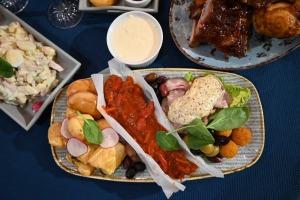 Restorāns «Hercogs Mārupe» ir viens no retajiem Pierīgā, kas pandemijas laikā var lepoties ar bagātīgu ēdienkarti 13
