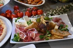 Restorāns «Hercogs Mārupe» ir viens no retajiem Pierīgā, kas pandemijas laikā var lepoties ar bagātīgu ēdienkarti 3