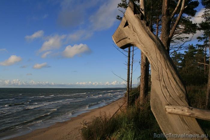Jūrkalnes stāvkrasts ir viena no gleznainākajām vietām Baltijas jūras piekrastē