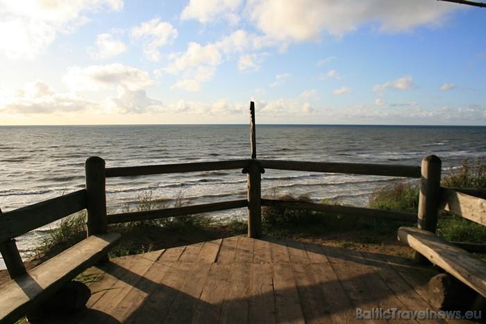 Rāmā jūra un rēnais gaiss īpaši pievilcīgi skaidrās rudens pēcpusdienās