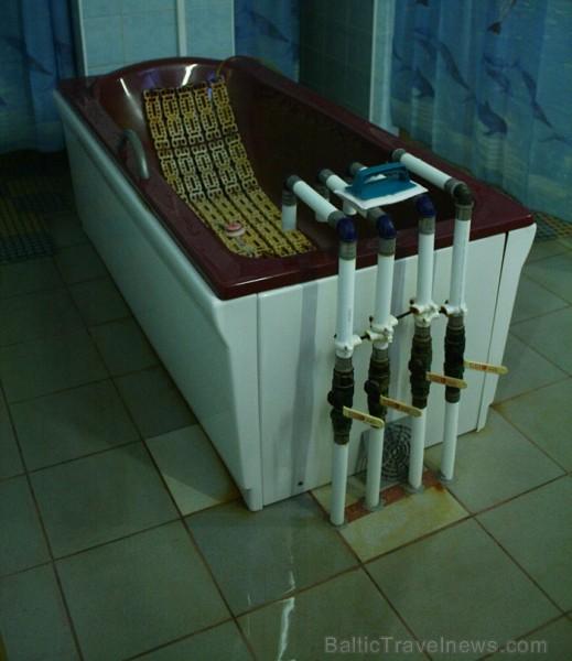 """Dažādām vannas procedūrām piemēram, miega traucēumiem, ādas slimībā galvenokārt izmanto sāļo minerāldūdeni """"Värska-6"""". Foto: www.spavarska.ee"""