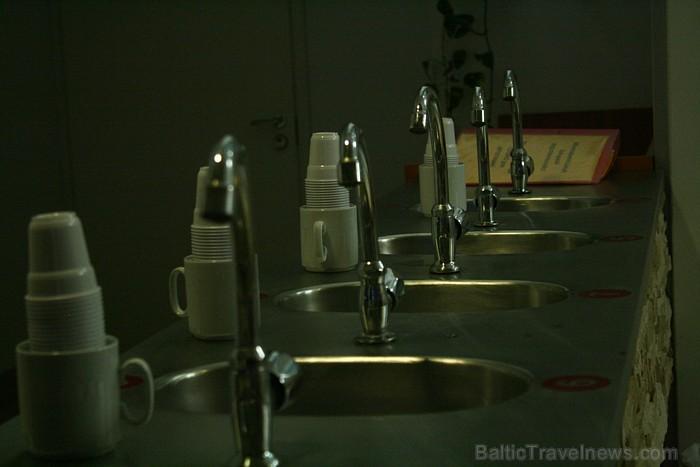 """Sanatorijas """"Värska"""" ir 3 šķirnu minerālūdeņi - 2 veidu dzeramais ūdens un vannas ūdens. Foto: www.spavarska.ee"""