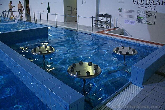 Minerālūdens, kas ietek akvaparkā, ir oriģinālais Värska ūdens, kas nāk no pašām zemes dzīlēm. Foto: www.spavarska.ee