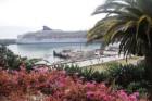 NCL Spirit kruīza kuģis piestājis ziedošajā Madeiras salā. 1420. gadā Žuans Gonsalvišs Zarku devās jūrā. Viņš atrada skaistu, ar biezu mežu apaugušu s 1