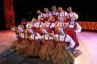 Skolēnu brīvlaikā uz Tallink kuģa dejotprasmi rādīja Dzintariņš un Dzītariņš, bet leļļu teātris priecēja ar izrādi Joka pēc alfabēts. Foto: Juris Ķilk 29