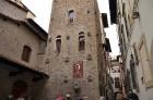 Dantes māja. Patiesībā gan muzejs, pats viņš tajā nav dzīvojis, bet kaut kur pavisam netālu 9