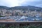 Monako iedalās 4 daļās: Monaco-Ville (vecpilsēta), La Condamine (zona ap ostu), Monte Carlo (galvenā dzīvojamā un atpūtas zona) un Fontveille - nesen  24
