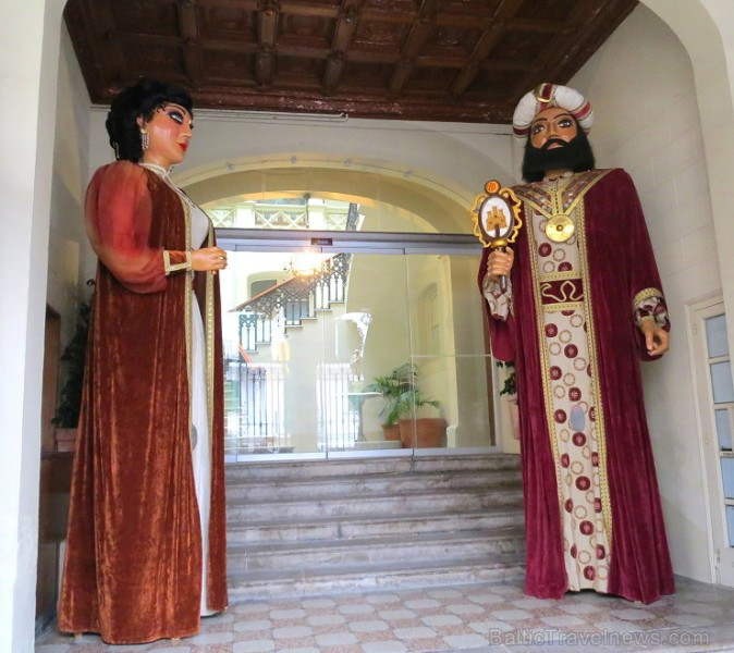 Sitžesa gaida dzīves baudītājus un romantiķus. Vairāk informācijas: www.visitsitges.com