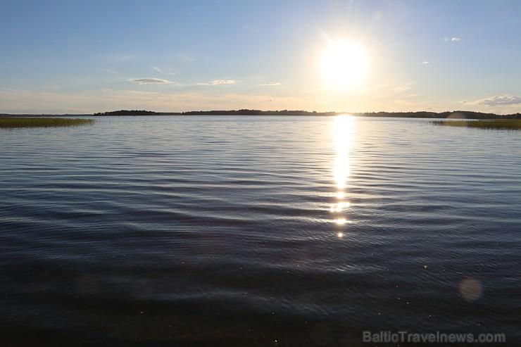 Pie Sivera ezera Latgalē latgalieši svin Jāņus un Līgas ar alu un sieru 200728