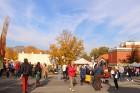 Katra oktobra otrajā sestdienā Valmieras rātslaukumā pilsētas viesi tiek aicināti uz pamatīgu andeli tradicionālajā Simjūda gadatirgū, kas vēsturiski  8