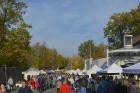 Katra oktobra otrajā sestdienā Valmieras rātslaukumā pilsētas viesi tiek aicināti uz pamatīgu andeli tradicionālajā Simjūda gadatirgū, kas vēsturiski  14