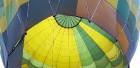 Gaisa balonu piloti Salaspils pusē krāšņi svin cilvēka pirmo sekmīgo lidojumu 5