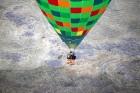 Gaisa balonu piloti Salaspils pusē krāšņi svin cilvēka pirmo sekmīgo lidojumu 15