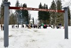Kopā ar folkloristiem un latvisko tradīciju zinātājiem Alūksnē svinēja Meteņdienu, ejot rotaļās, lieloties, ēdot cūkas šņukuru, vizinoties no kalna un 14