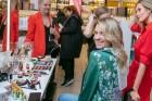 Universālveikalā Stockmann tika prezentēts jaunākais grima tendenču un dekoratīvās kosmētikas produktu jaunumu ceļvedis, kuru demonstrēja Latvijā popu 13