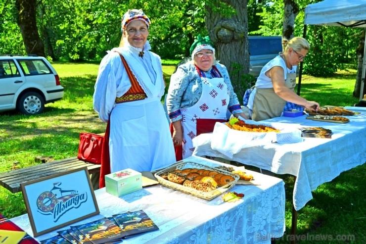 Sklandrauši ir pirmais Latvijas pārtikas produkts, kura ražošanu aizsargā Eiropas Savienība -  šis gardums ir iekļauts Eiropas Komisijas reģistra sara