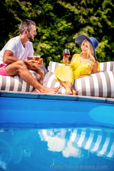 «Lielupe by Semarah Hotels» ir viesnīca Jūrmalā,  kurā ikviens var baudīt laisku atpūtu atklātajā baseinā