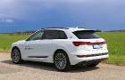 Travelnews.lv apceļo Zemgali un Vidzemi ar jauno un elektrisko «Audi e-tron» 2