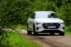 Travelnews.lv apceļo Zemgali un Vidzemi ar jauno un elektrisko «Audi e-tron» 44