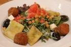 Travelnews.lv izbauda parka restorāna «Kolonāde» vakariņas Rīgas centrā 13