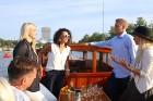 Pārdaugavas restorāns «Hercogs Fabrika» piedāvā jahtas izbraucienu ar romantiskām vakariņām pārim vai arī grupai 6