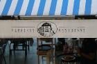 Pārdaugavas restorāns «Hercogs Fabrika» piedāvā jahtas izbraucienu ar romantiskām vakariņām pārim vai arī grupai 56
