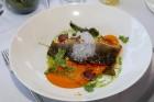 Pārdaugavas restorāns «Hercogs Fabrika» piedāvā jahtas izbraucienu ar romantiskām vakariņām pārim vai arī grupai 71