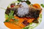 Pārdaugavas restorāns «Hercogs Fabrika» piedāvā jahtas izbraucienu ar romantiskām vakariņām pārim vai arī grupai 72