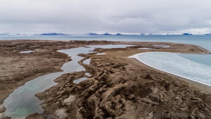 Latvijas Universitātes zinātnieki atgriezušies no ekspedīcijas Svalbāras arhipelāgā, kur tie pētīja ledājus un vides piesārņojumu vietā, kuru no Zieme 263867