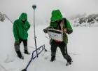 Latvijas Universitātes zinātnieki atgriezušies no ekspedīcijas Svalbāras arhipelāgā, kur tie pētīja ledājus un vides piesārņojumu vietā, kuru no Zieme 28
