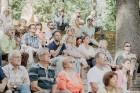 Valmieras pusē, Kocēnu novada Dikļos – Neikenkalna dabas koncerzālē zem saules apspīdētām, gubu mākoņu rotātām augusta debesīm izskanēja koncerts dzīv 24
