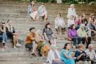 Valmieras pusē, Kocēnu novada Dikļos – Neikenkalna dabas koncerzālē zem saules apspīdētām, gubu mākoņu rotātām augusta debesīm izskanēja koncerts dzīv 27