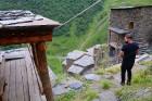Travelnews.lv apmeklē Mutso ciemu Kaukāza kalnos un iepazīst viduslaiku cietoksni.  Atbalsta: Georgia.Travel 15