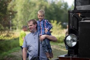 Alūksnē lustīgi svin Bānīša svētkus - vienīgā regulāri kursējošā šaursliežu dzelzceļa vilciena 116.dzimšanas dienu 10