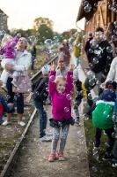 Alūksnē lustīgi svin Bānīša svētkus - vienīgā regulāri kursējošā šaursliežu dzelzceļa vilciena 116.dzimšanas dienu 15