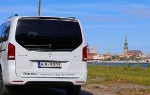 Travelnews.lv apceļo Latviju ar jauno biznesa klases mikroautobusu «Mercedes-Benz V-Klase» 55