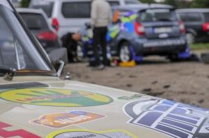 Sacensību laikā Saldū 69 ekipāžu dalībnieki veica sešus ātrumposmu 55 kilometrus garajā distancē 6
