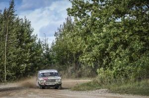 Sacensību laikā Saldū 69 ekipāžu dalībnieki veica sešus ātrumposmu 55 kilometrus garajā distancē 35