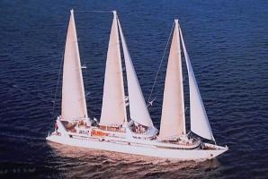 Tūrisma firma «Cruiselines» pie brokastu galda restorānā «Snob» iepazīstina ar  premium klases kruīzu kompāniju «Ponant» 11