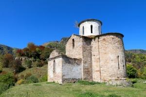 Travelnews.lv apmeklē pamestu 10.gadsimta kristiešu Sentinskas dievnamu. Atbalsta: Magtur 1