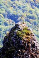 Travelnews.lv apmeklē darbojošu 10. gadsimta kristiešu Šoanina dievnamu osetīņu ciemā. Atbalsta: Magtur 26