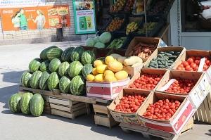 Karačaja-Čerkesijas republikā ēdienā tiek akcentēts garšīgs šašliks, bet augļus un dārzeņus ieved galvenokārt no citurienes. Atbalsta: Magtur 18