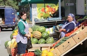 Karačaja-Čerkesijas republikā ēdienā tiek akcentēts garšīgs šašliks, bet augļus un dārzeņus ieved galvenokārt no citurienes. Atbalsta: Magtur 19