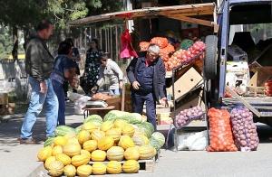 Karačaja-Čerkesijas republikā ēdienā tiek akcentēts garšīgs šašliks, bet augļus un dārzeņus ieved galvenokārt no citurienes. Atbalsta: Magtur 31