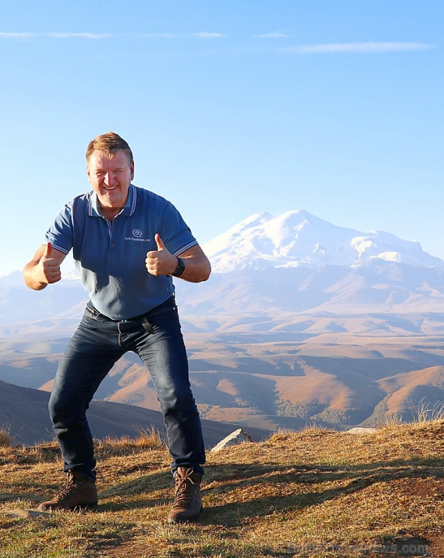 Travelnews.lv rīta agrumā apjūsmo Eiropas augstāko virsotni Elbruss. Atbalsta: Magtur