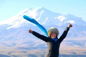 Travelnews.lv rīta agrumā apjūsmo Eiropas augstāko virsotni Elbruss. Atbalsta: Magtur 1