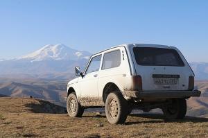 Travelnews.lv rīta agrumā apjūsmo Eiropas augstāko virsotni Elbruss. Atbalsta: Magtur 19