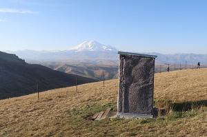 Travelnews.lv rīta agrumā apjūsmo Eiropas augstāko virsotni Elbruss. Atbalsta: Magtur 27