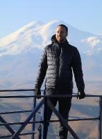 Travelnews.lv rīta agrumā apjūsmo Eiropas augstāko virsotni Elbruss. Atbalsta: Magtur 30