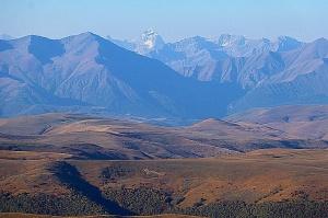 Travelnews.lv rīta agrumā apjūsmo Eiropas augstāko virsotni Elbruss. Atbalsta: Magtur 35